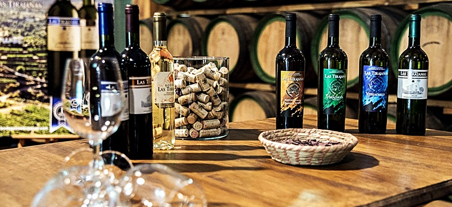 "wines ""San Bartolome"""
